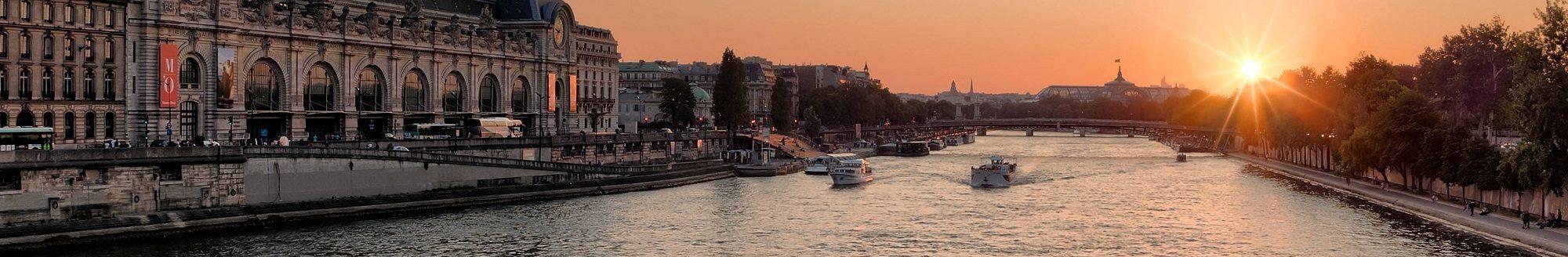 Bateaux-Mouches in Paris