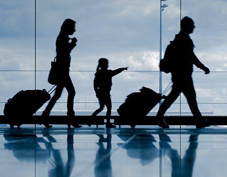 Flughafen zu Paris: geteilte Reise vom Flughafen zu ihrem Hotel in Paris