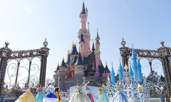 Disneyland® Paris, Attraction  Théâtre du Château, l'étincelante valse des Princesses, Une valse de conte de fées avec les Princesses Disney ©DISNEY
