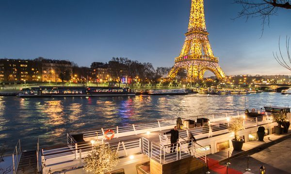 Dîner-Croisière du Réveillon de Nouvel An à Paris - Bateau le Montebello