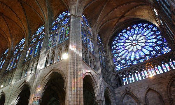 Basilique Saint Denis - Basilique Saint Denis - Vitraux vue d'en bas