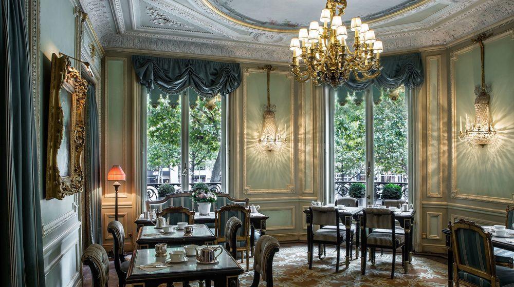 Restaurant Ladurée, 75 avenue des Champs-Elysées, Paris