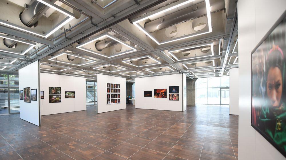 La Grande Arche de la Défense - Espace dédiée aux expositions de photojournalisme