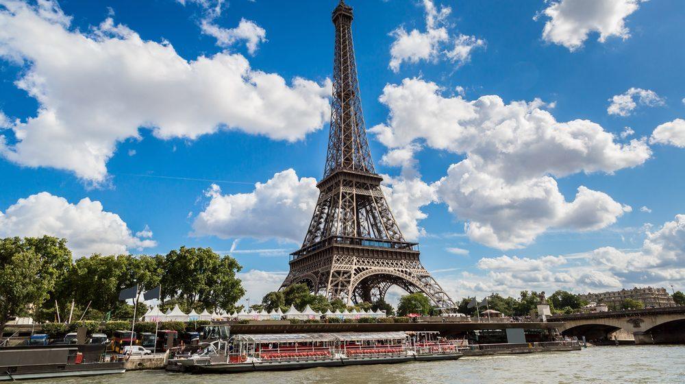 Bateaux Parisiens - Croisière Promenade avec embarquement au pied de la Tour Eiffel