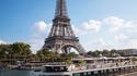 Croisière Gourmande à bord du Diamant Bleu : passage devant la Tour Eiffel