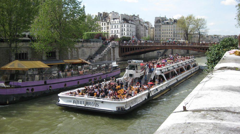 Bateaux-Mouches - Croisière Promenade sur la Seine à Paris - Quais de Seine