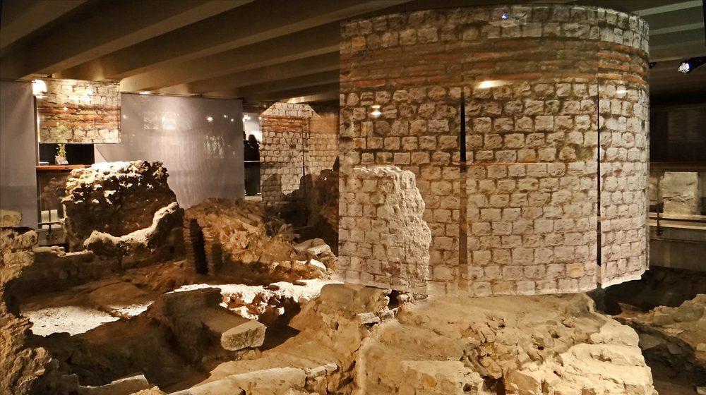 La crypte achéologique de l'île de la Cité