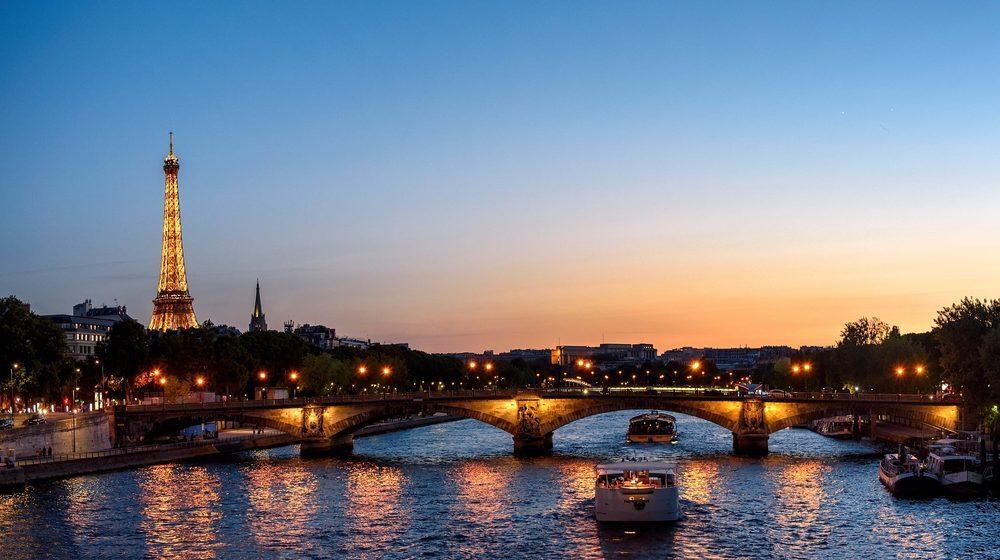 La Péniche Le Signac - Tour Eiffel de Nuit