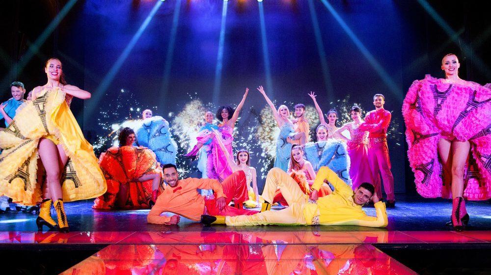 Réveillon de Noël au Cabaret Paradis Latin à Paris